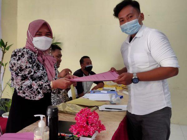 Penyerahan SK dan Kontrak Kerja Tahun Ajaran 2021/2022 SMK Gelora Jaya Nusantara Medan