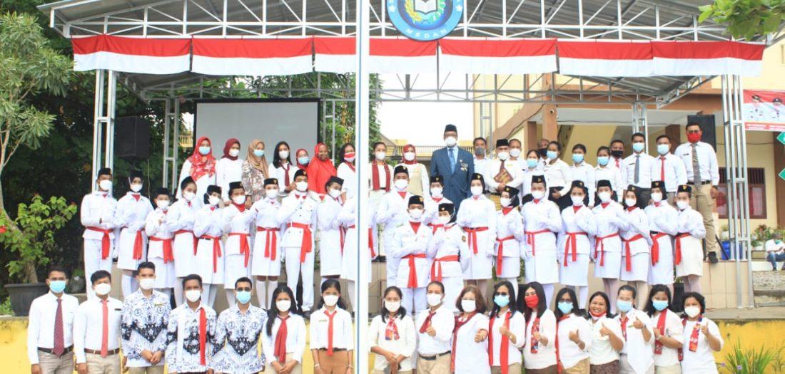 Peringat HUT RI ke 76 di SMK Gelora Jaya Nusantara Medan